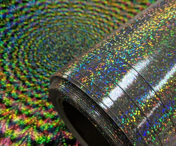 Holographic wallcovering pattern: Rave